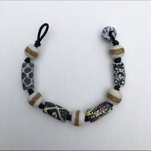 Black and white recycled glass bead bracelet